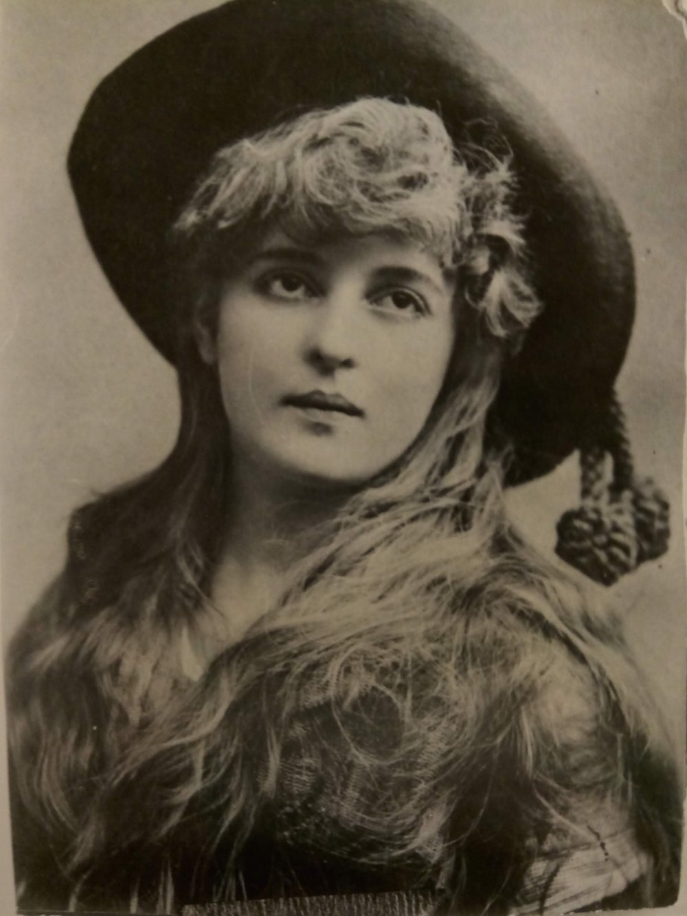 Belle Archer - Most photographed stage actress in the 1890s