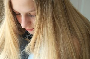 girl-in-thought-745187-m.jpg