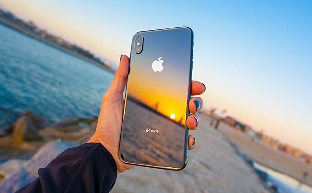 iPhone XS Max 🔥🔥 Unboxing video just posted by Jenna Ezarik! Check it out on You Tube. We just love her photography and fun videos.  #iPhoneXS 📸 @jennaezarik  https://www.youtube.com/watch?v=8qcaaKFv8AY&utm_source=hootsuite&utm_medium=&utm_term=&utm_content=&utm_campaign=