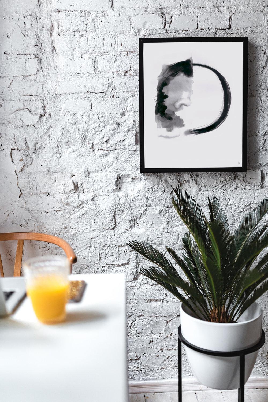 kaboompics_White-Living-Room-With-Minimalist-Scandinavian-Interior-Design,-Un'common-Marble-Table-(TMAVSI).jpg