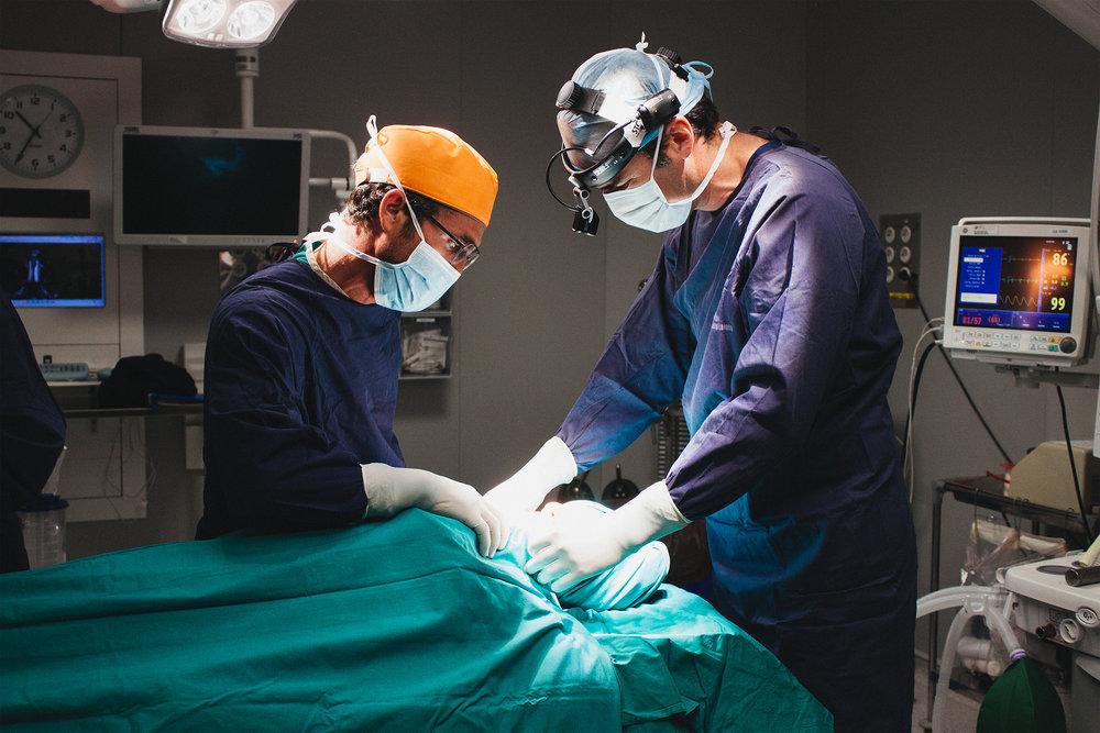 Dirigido por cirujanos - Todos los centros Maxilodental® están dirigidos por médicos especializados en Cirugía Oral y Maxilofacial.