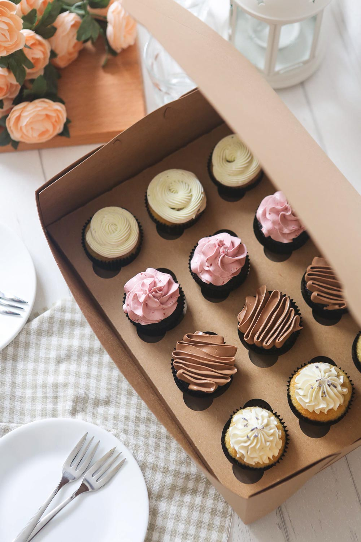 EdiblesBakeShop-Cupcakes1.jpg