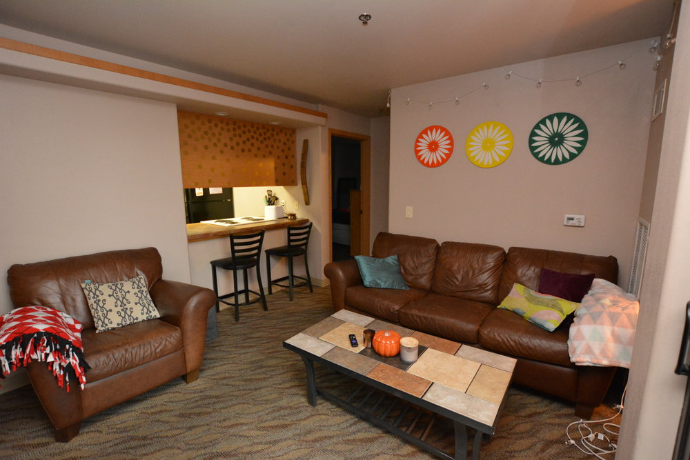 Large living rooms available at the Aberdeen Aparments
