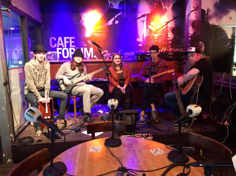 Live radio gig with Violet's Tale for L1 Radio at café Forum in Maastricht (NL).