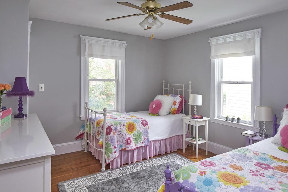 24_springfield_st_bedroom2.jpg