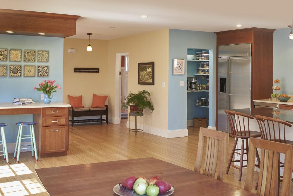470 _pleasant_st_kitchen4.jpg