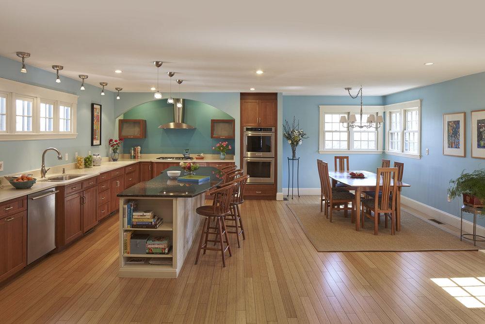 470 _pleasant_st_kitchen1.jpg