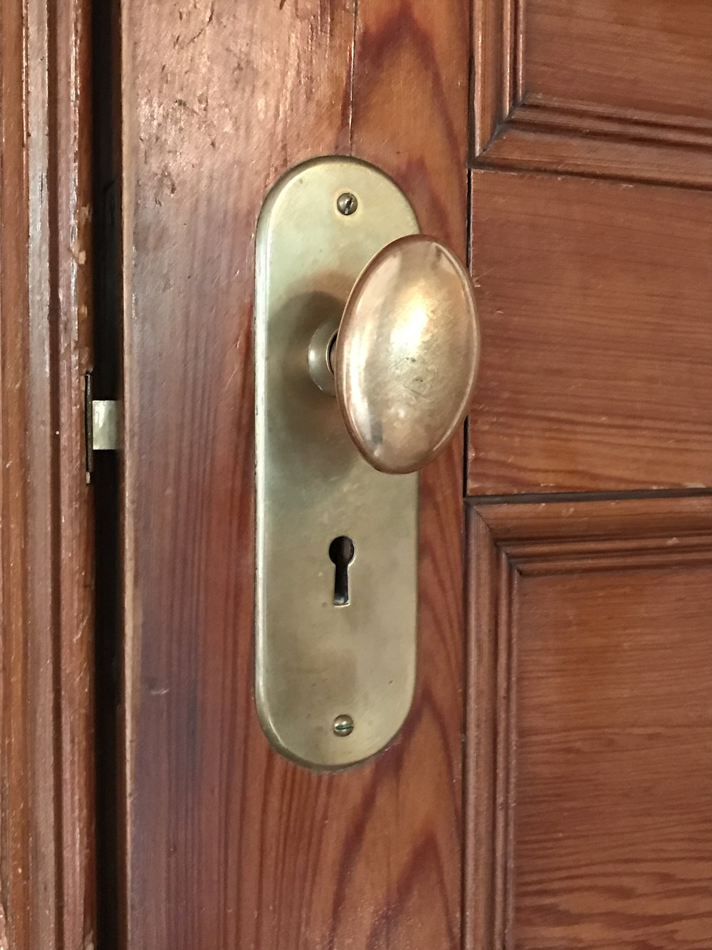 Pleasant 548 Doorknob.JPG