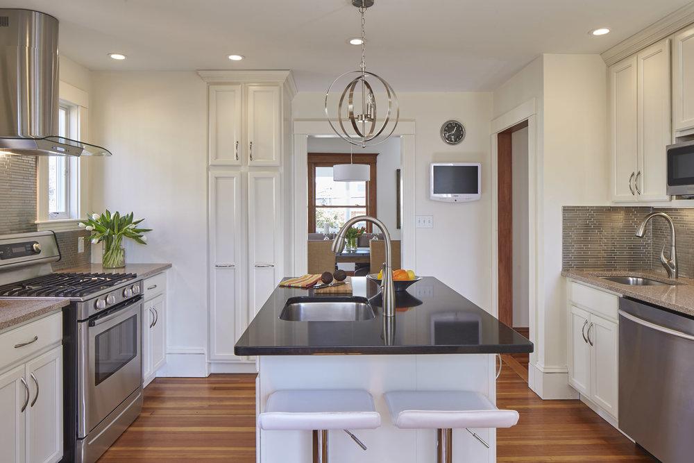 12_springfield_st_kitchen1.jpg