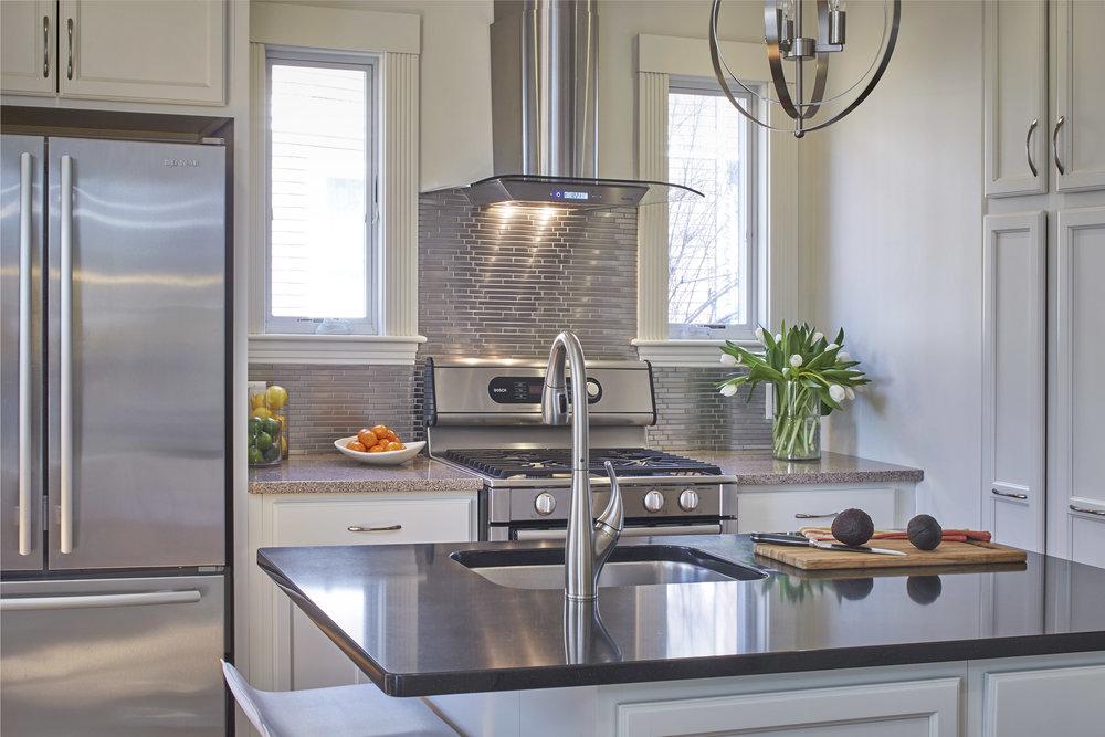 12_springfield_st_kitchen2.jpg
