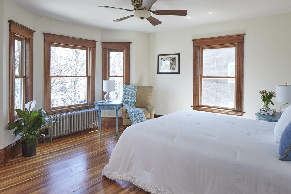 12_springfield_st_bedroom1.jpg
