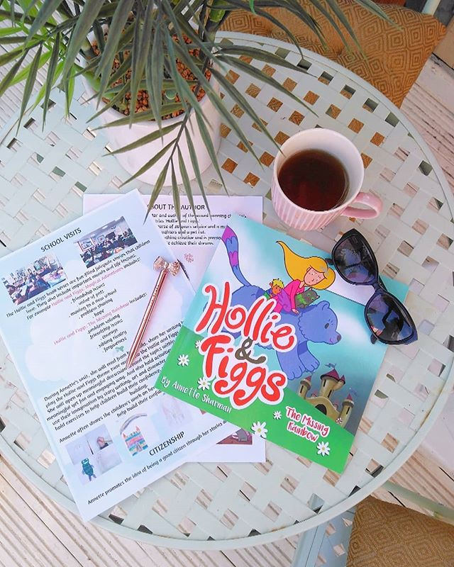 I have been working on leaflets today that I will be sending into schools! I have also posted a NEW blog post all about the animation process that my newly graduated animator @maisie.grant is doing of Hollie and Figgs! Visit www.hollieandfiggs.co.uk to check it out 💕 Hollie and Figgs is available to buy online NOW at Amazon and Waterstones!