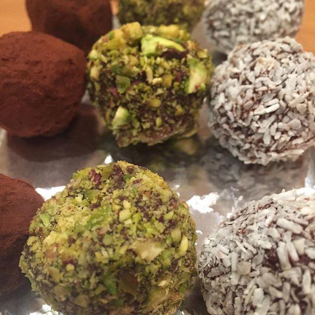 Murraybrown creations is on 🔥 #homemadegifts #chocolatetruffles