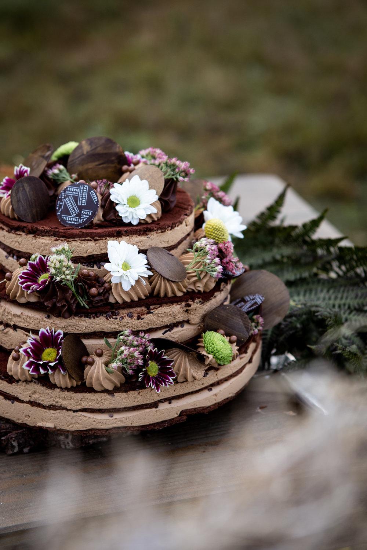 Roasted White Chocolate nudecake - Eggs, butter, sugar, dark chocolate(incl.soylecithin), gluten free flourmix(Sunnuntai, vaalea), white chocolate, glucose, gelatine, cream, milk, bourbon vanilla(low-lactose, gluten-free)6,90,- / pers