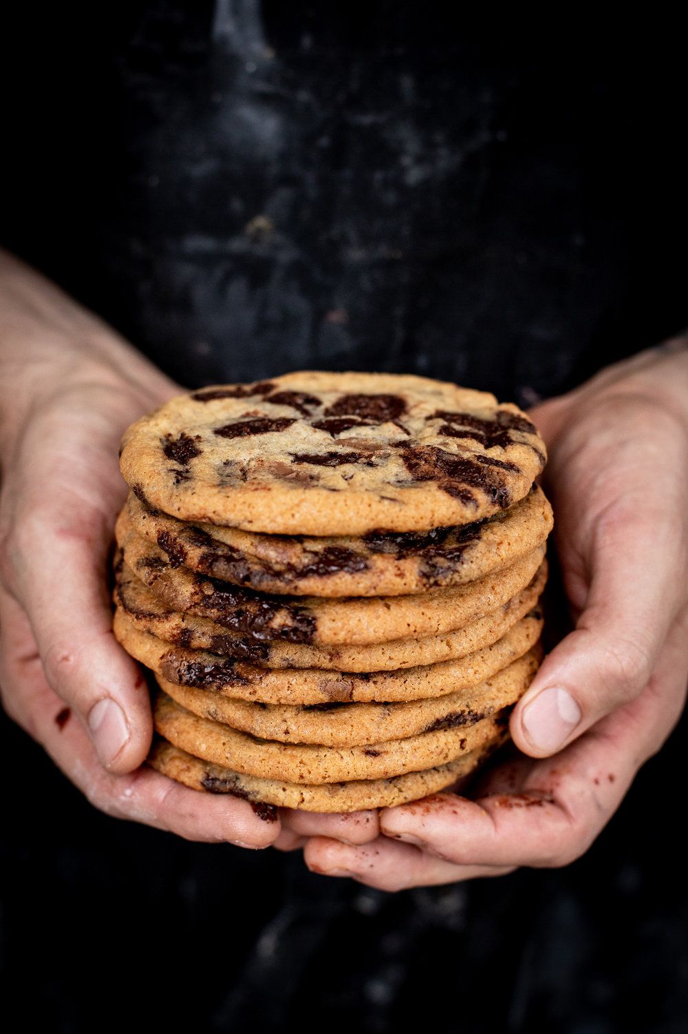 Chocolate chip cookie - butter, farine sugar, canesugar, sugar, wheat flour, eggs, baking soda, salt, dark chocolate, milk chocolate(VL, does not include nuts)2,50 ,- / pcs