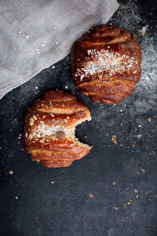 Buns, Croissants & Cookies