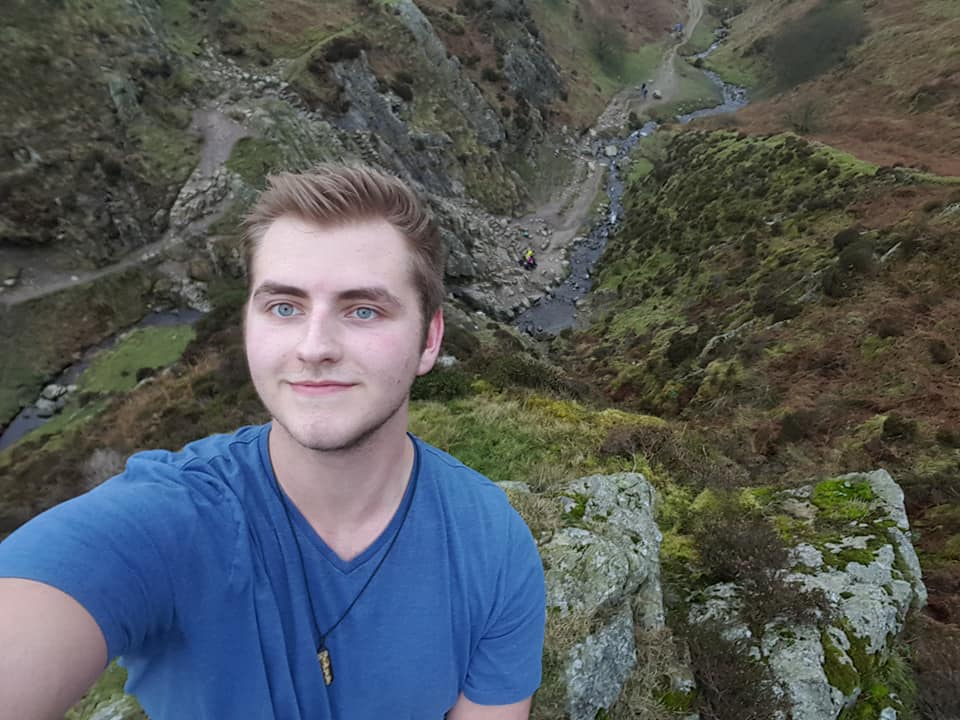 Nic - Worked in outdoor adventure camps for the past 4 years including paddle sports, climbing and mountaineering. Loves being outside and teaching all year round!