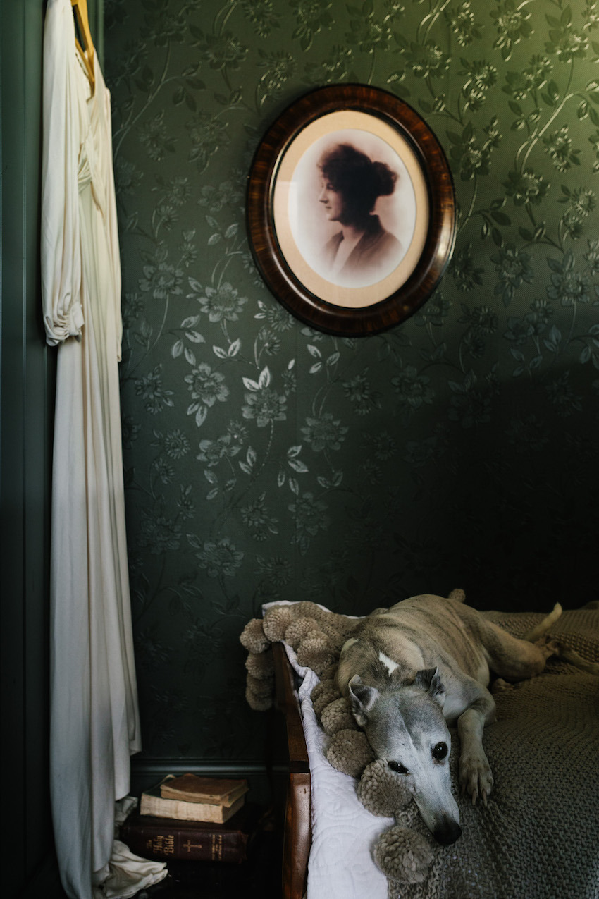 The Nuns Room: A dark & dramatic cabin in Australia | photos by    Sarah Andrews