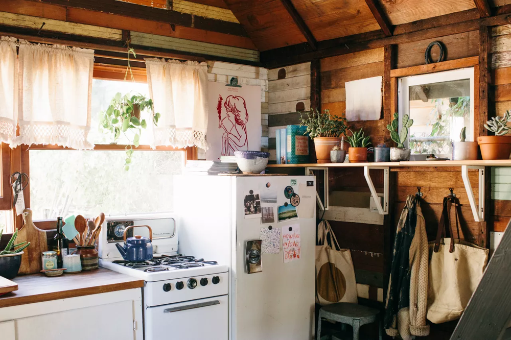 A teeny tiny cabin in Portland | photos by  Ellie Arciaga Lillstrom