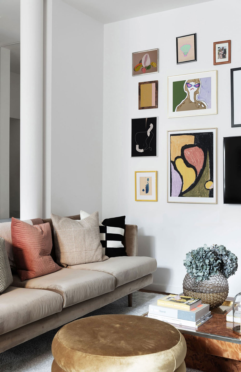 The Nordroom - Art-Filled Home of Henrietta Fromholtz