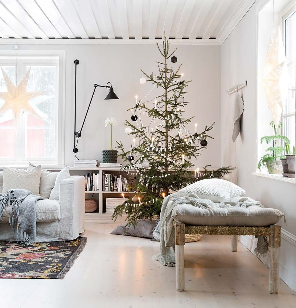 The Nordroom - Scandinavian Christmas Home in an Old Farmhouse