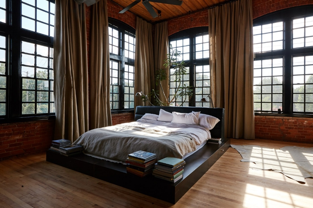Impressing windows in the bedrooom of Alton Brown   photo by Chandler Bondurant