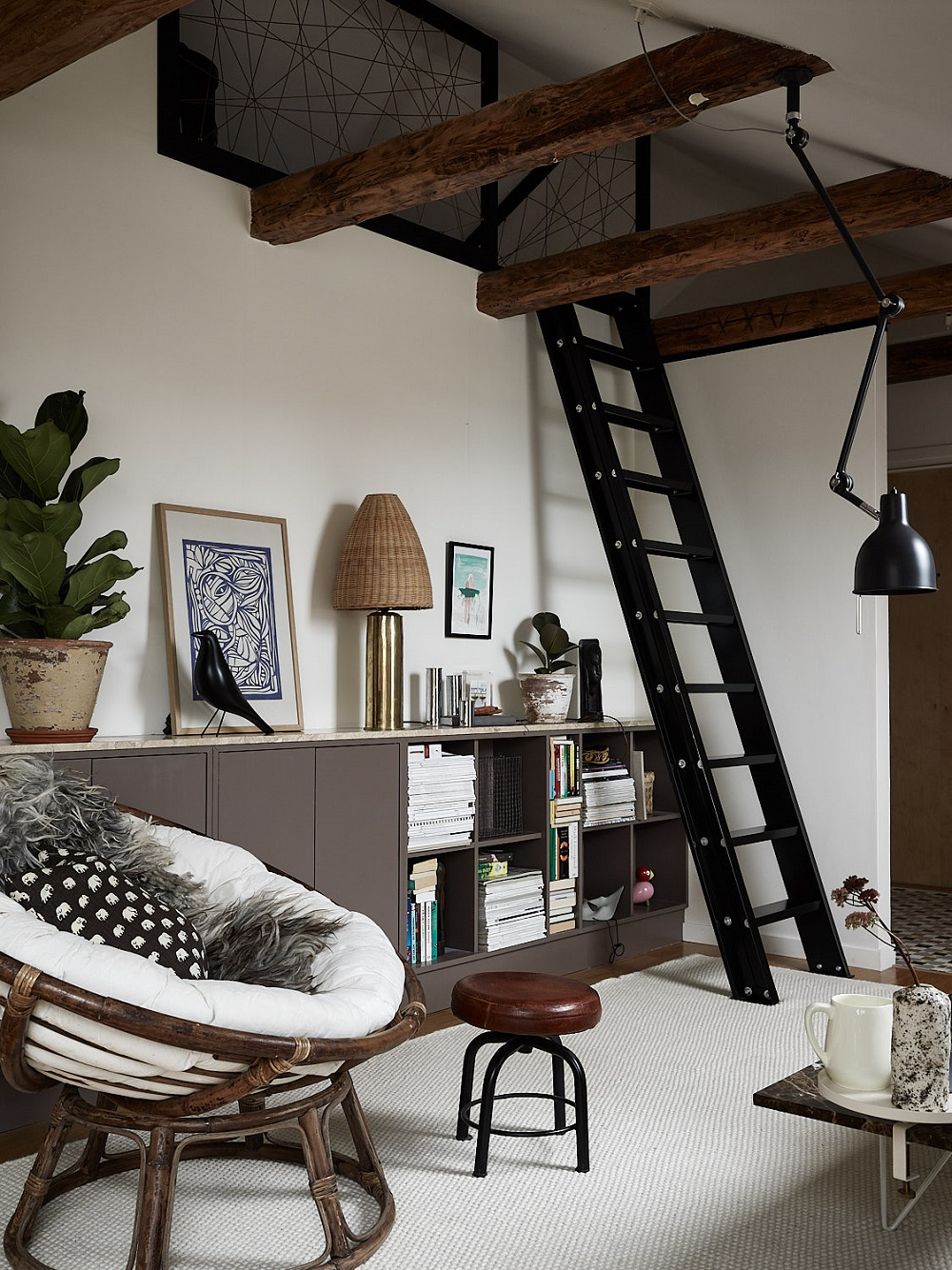 An amazing Scandinavian attic living room