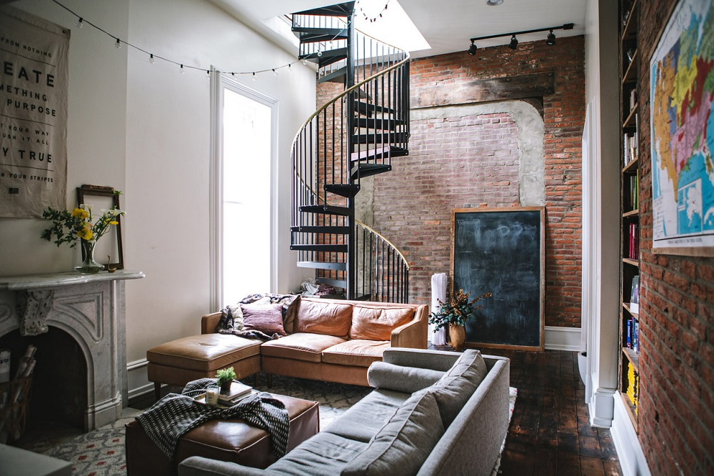 A winding stair and original details in a fixxer upper in Philadelphia