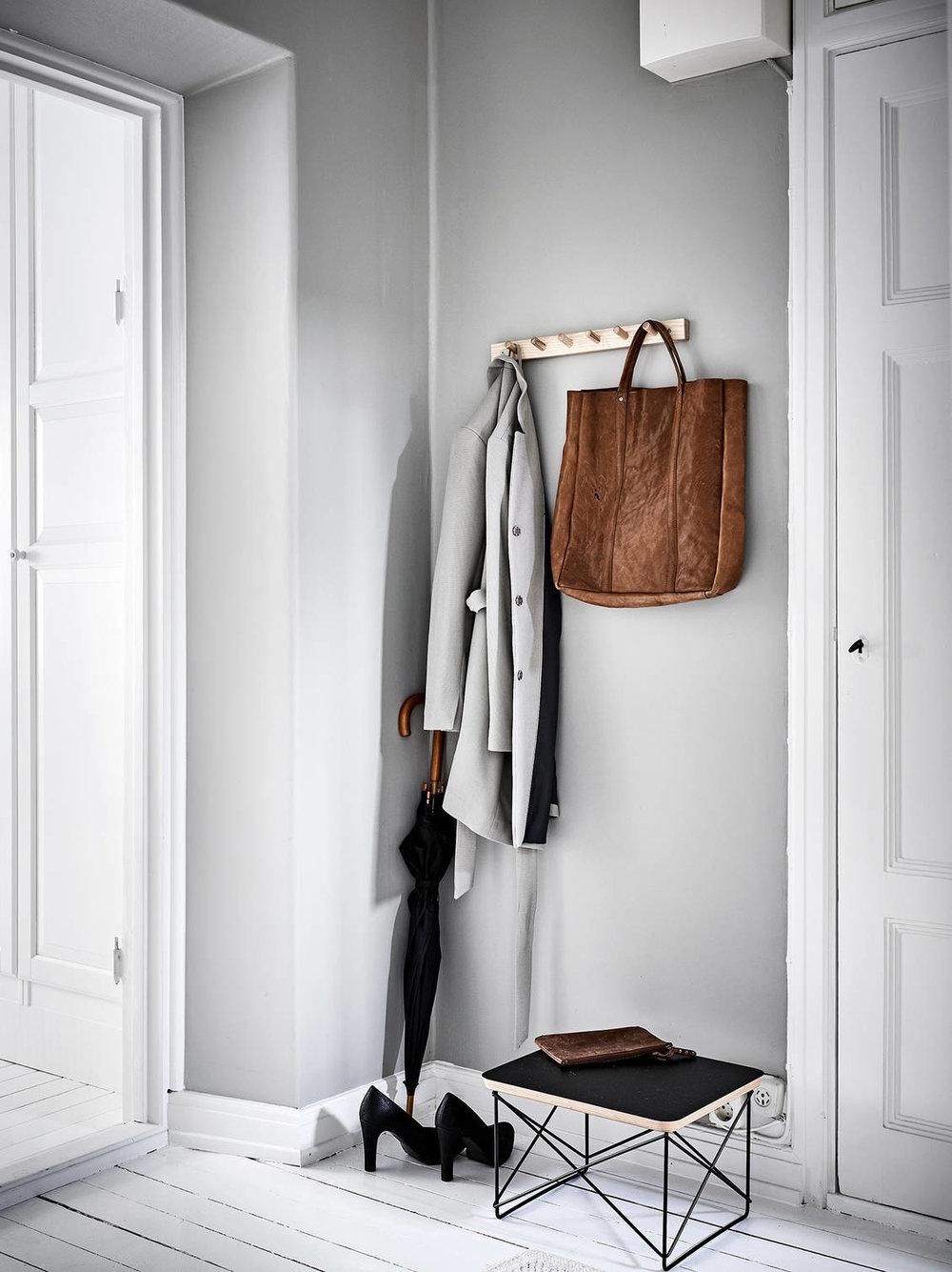 The Nordroom - A Neutral Scandinavian Studio Apartment