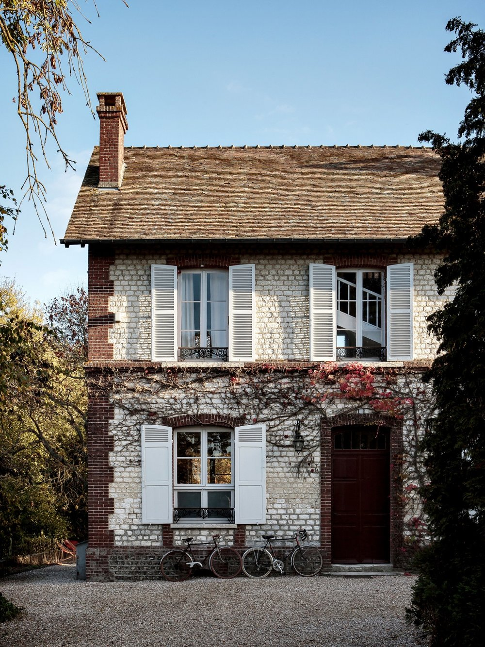 The Nordroom - Riverside House: A Stunning Rental Guesthouse in Normandy