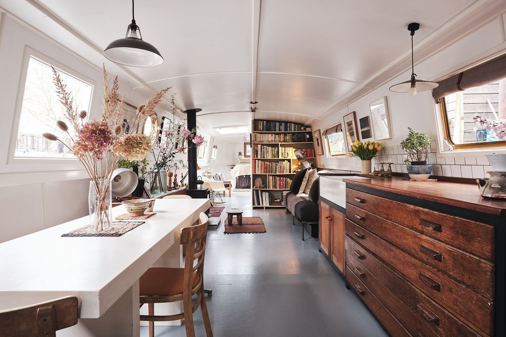 The Nordroom - A Cozy Houseboat in London