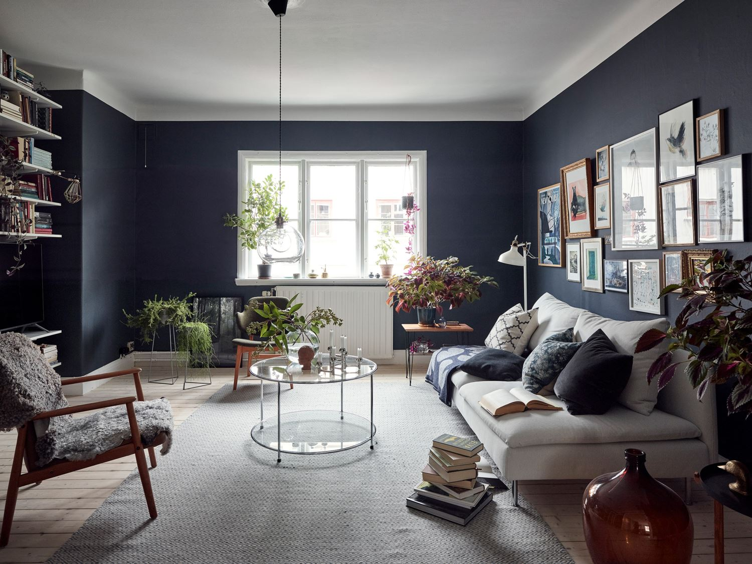 A Cozy Apartment With A Deep Blue Living Room The Nordroom