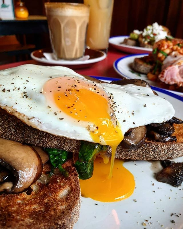 NEW BRUNCH MENU 🥓🍳 Signature brunch plates as well as your selection of favourites on toast!🍞 Can't go wrong with mushrooms on toast! Add as many extras as you like!  2 for £12 cocktails too!🍸 #TheCornerBoyNQ
