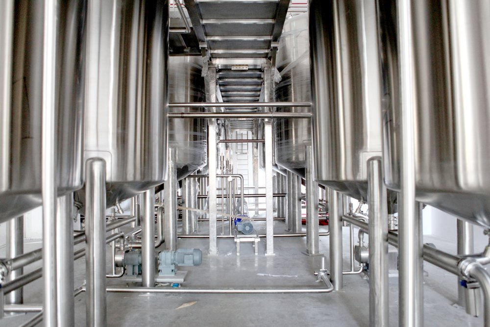 Food & Beverage - Process pipingConveyors, platforms, and structural fabricationFood-safe stainless steel fabrication