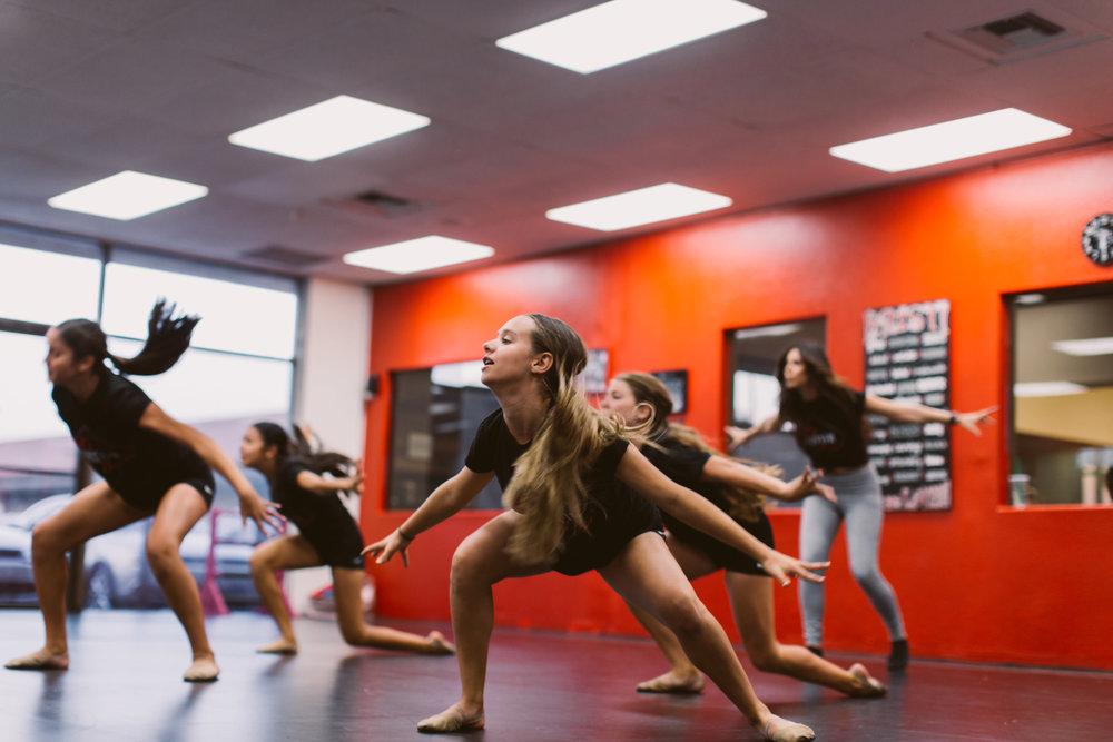 Kristis_Forever_Dance_Students_2018_15.jpg