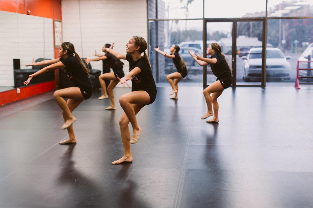Kristis_Forever_Dance_Students_2018_20.jpg