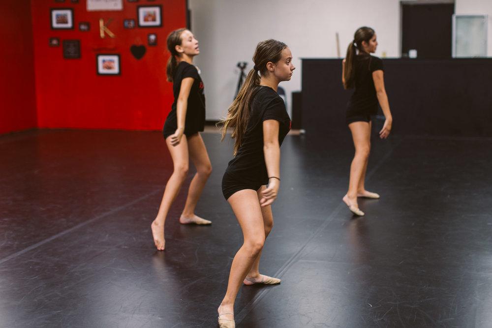 Kristis_Forever_Dance_Students_2018_24.jpg