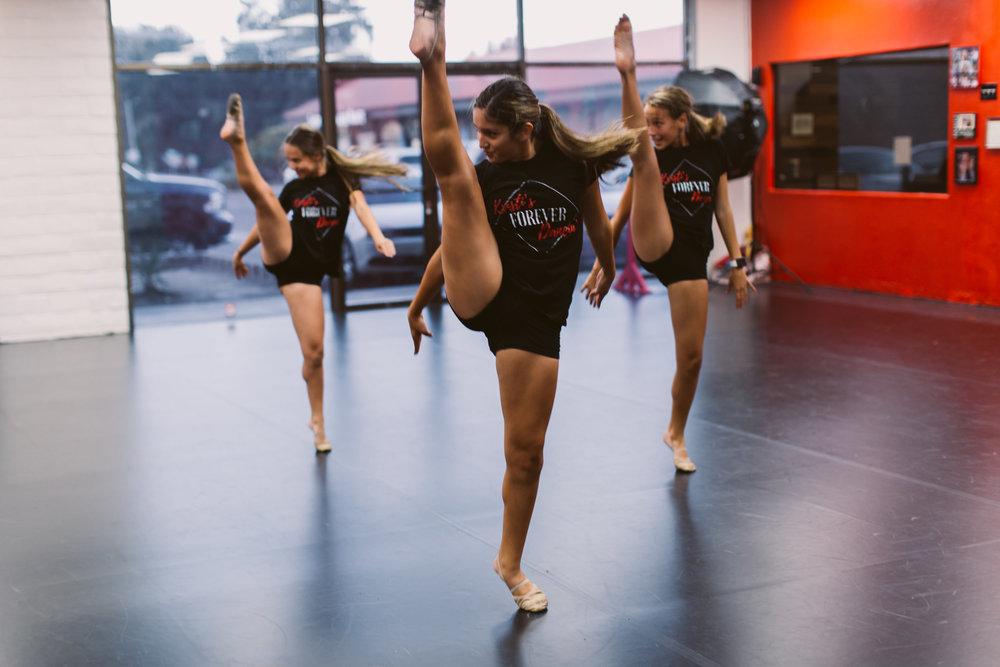 Kristis_Forever_Dance_Students_2018_26.jpg