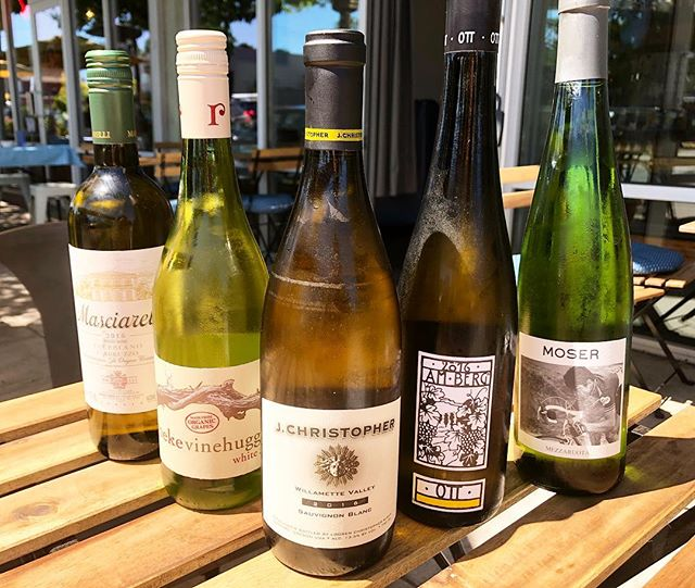 How do you choose? Try em all.... #amberg #grunerveltliner #moser #chardonnay #mezzaruota #masciarelli #trebbianodabruzzo #reynekevinehugger #cheninblanc #jchristopher #sauvignonblanc #oregon #pdxbars #newworldwines #oldworldwines #willamettevalley #italianwines #southafricanwines #austrianwines