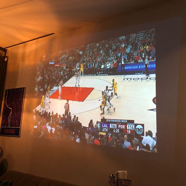 When the TV at home can't contain the Blazers!!! This ones for you @officialpaulallen . . #nba #craftbeer #sports #oregonbeer #oregonwine #pdxbar #bball #winning