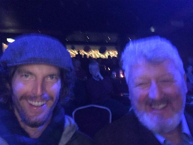 Terrible movie behavior with Tom & Davis taking a selfie as the doc kicks off 🤦♂️🤪