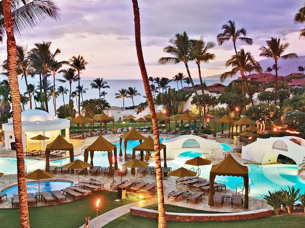 Oceanfront Hawaiian Splendor