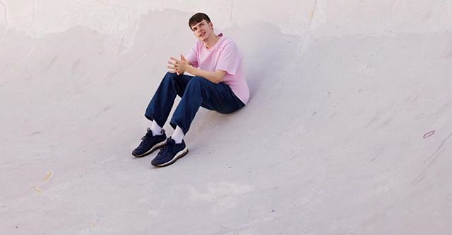 "Alexander O'Connor, otherwise known by ""Rex Orange County"" is a twenty year old indie pop singer and songwriter from the U.K. Rex has released two albums alongside several singles, with hits including ""Loving Is Easy"" and ""Best Friend"". The English artist has been on the rise ever since his feature on Tyler the Creator's ""Flowerboy"" record last year. This year, Rex performed at Coachella and Outside Lands, and next month he will be performing at Camp Flog Gnaw here in Los Angeles. Be sure to give him a listen if you haven't already - his music is guaranteed to put a 😊 on your face. * * * * * * * #rexorangecounty #rex #roc #flowerboy #bestfriend #lovingiseasy #tylerthecreator #nowlistening #nowstreaming #wave #musicapp #campfloggnaw #apricotprincess #losangeles #musicindustry #spotify #applemusic"