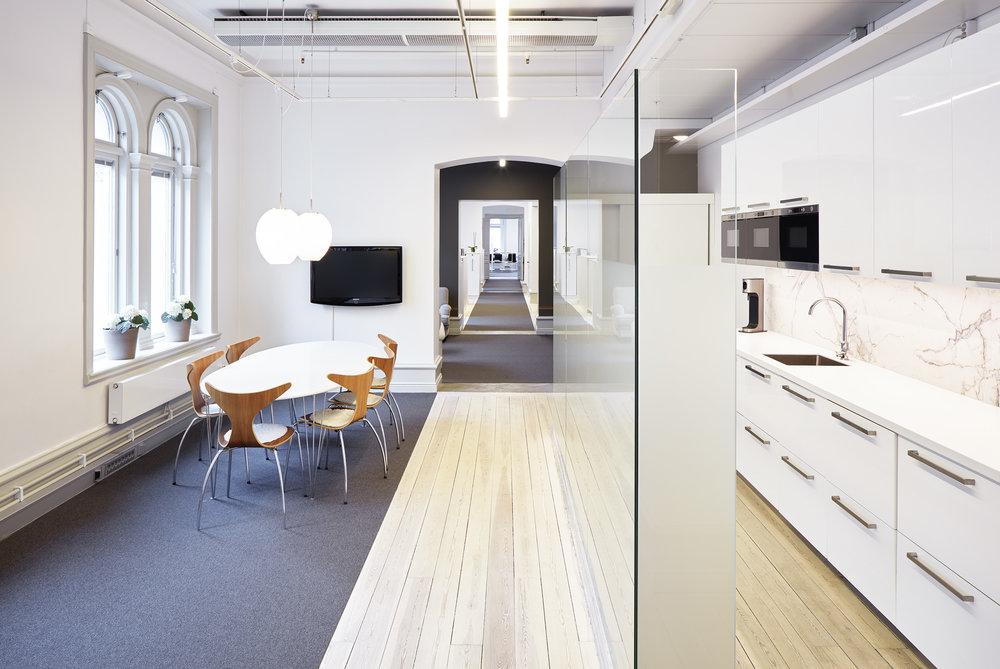 Rådhuset - Ombyggnation från butik till kontor för mäklarfirman Widerlöf