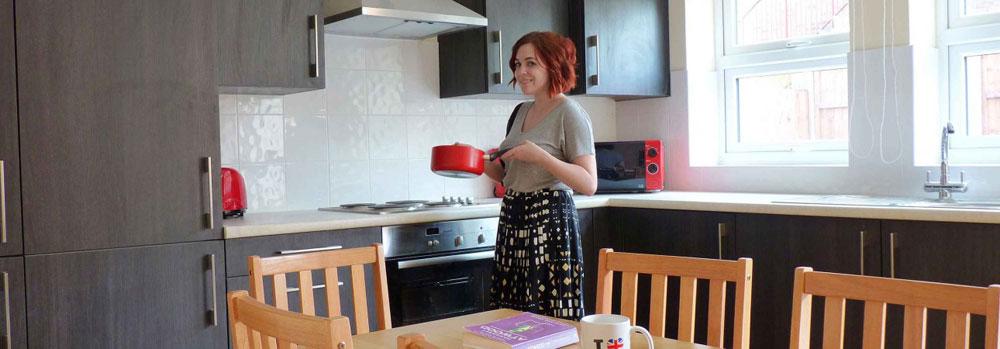 Britannia-House-Shares-Kitchen.jpg