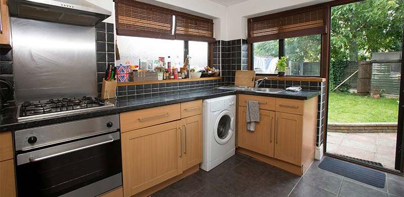 cedars-avenue-kitchen-large.jpg