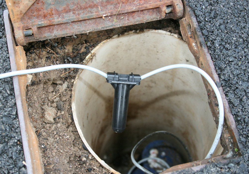 Waterproof Cable Jointing - The Tuff Splice system is a robust and fast wire connector for use in harsh environments such as water meter pits. Pulse wiring is splice crimped and then placed into the protective Tuff Splice boot. Waterproof gel inside the Tuff Splice makes the connections waterproof.