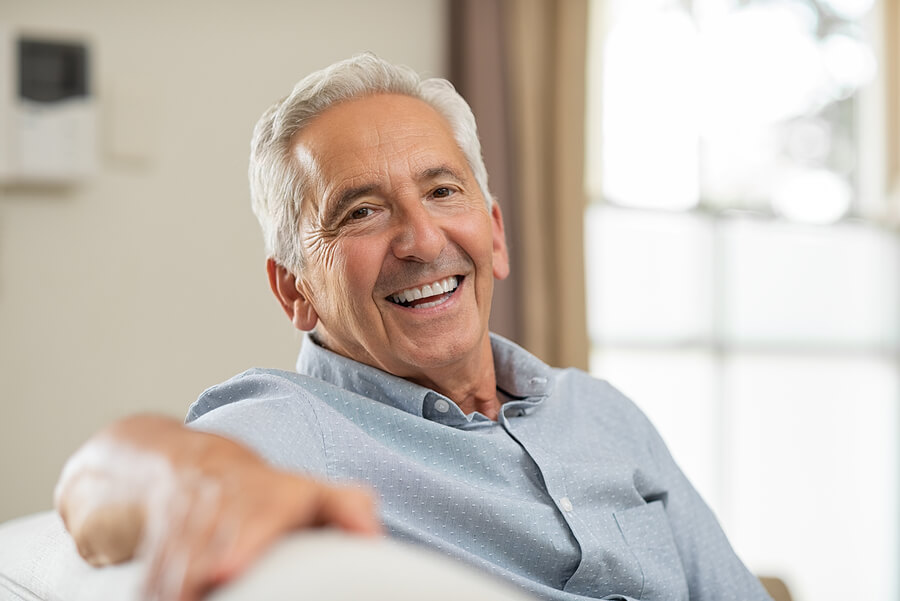 What you'll learn: - What dental implants are & how they workWhat to expect during your procedureAvailable optionsBenefits compared to other solutions...And more!