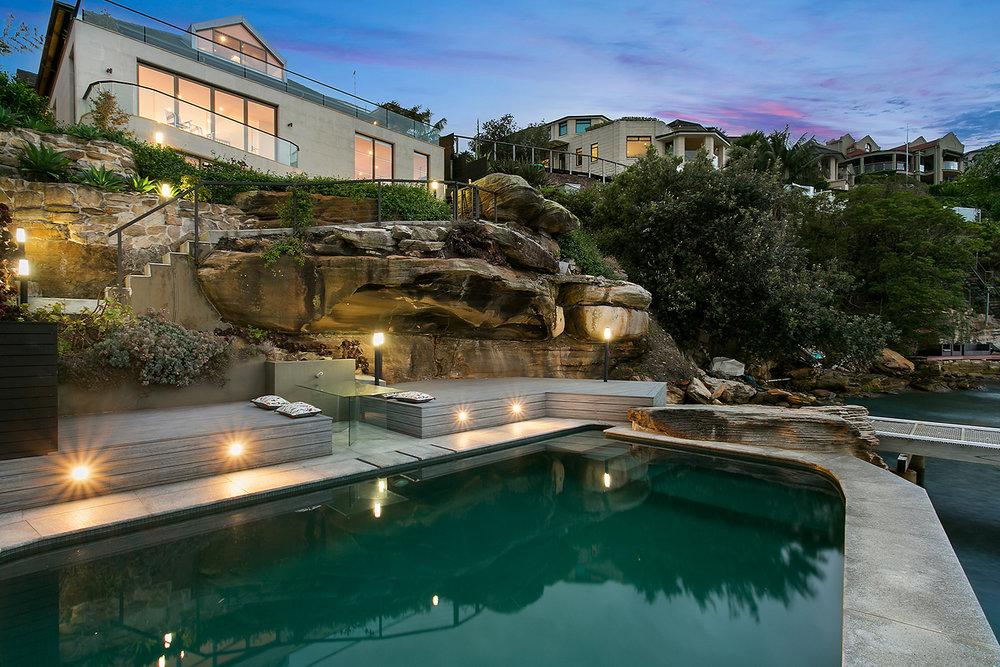 Pool to House.jpg