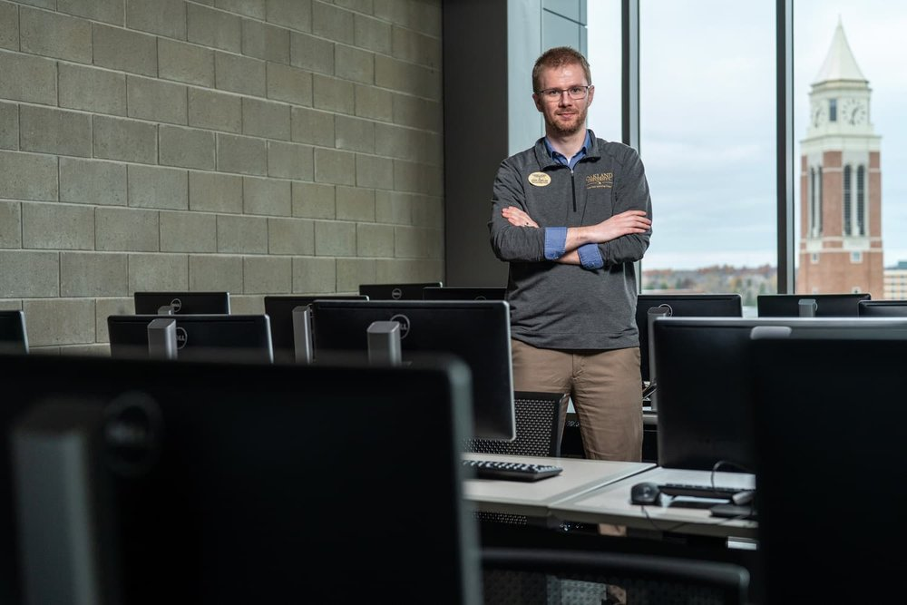 OU advisor in engineering computer lab